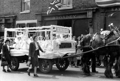 lymm may queen history 010
